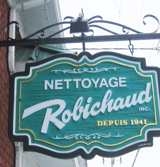 Nettoyage Robichaud – Enseigne sculptée